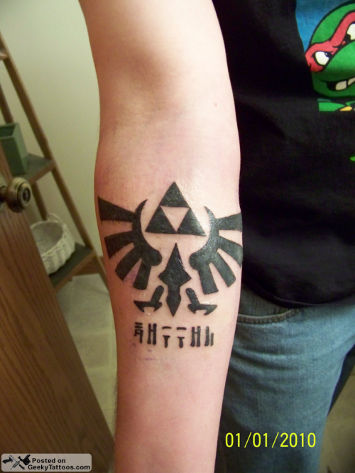 Triforce Tuesday… with a side of Mario. Por Geeky Tattoos 2 days atrás