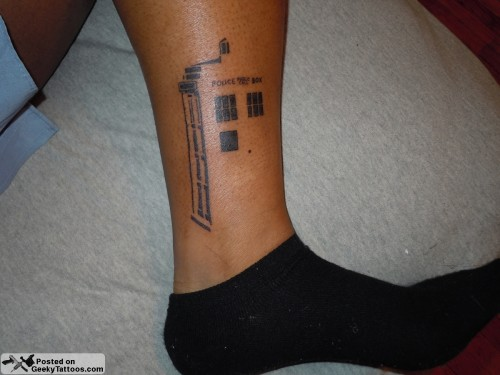 Tardis-outline-tattoo